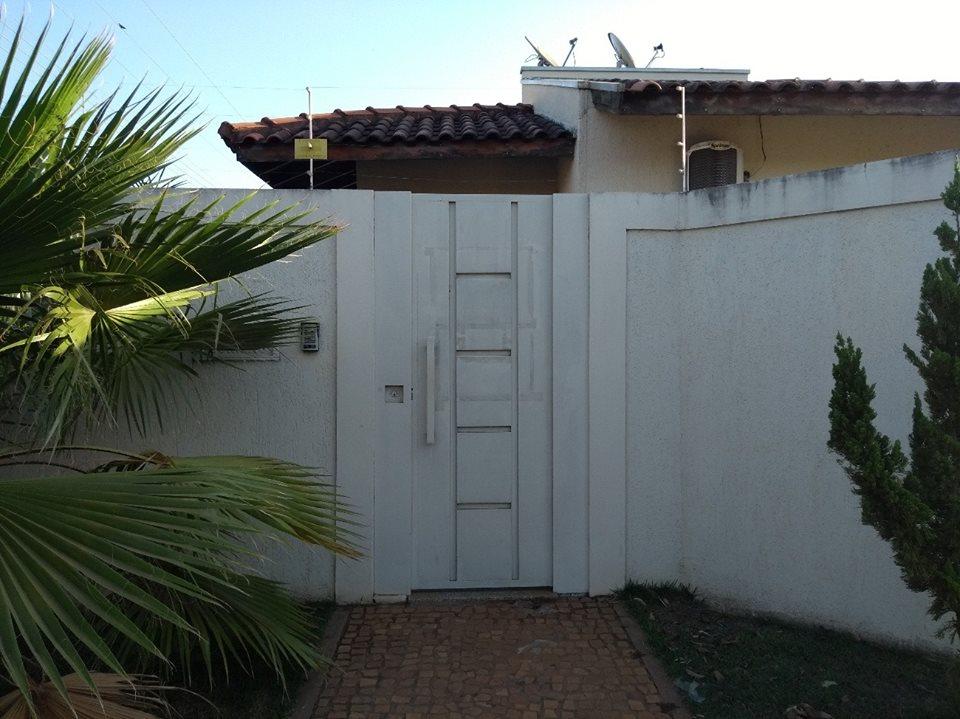 Casa na Rua Irmãos Cameschi